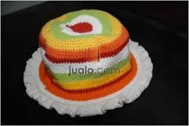 topi terbuat dari karet gelang rainbow