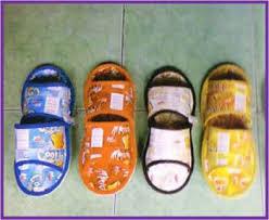 sandal dari plastik bekas