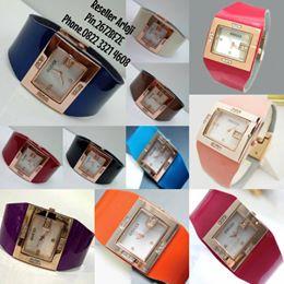 syahrini sebagai icon jam tangan gucci