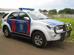 mobil polisi mangkir