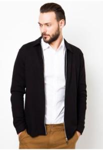 jacket  Zalora.com 275,900.